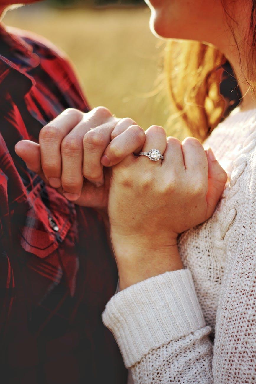 pora santykiai rankos meilė žiedas